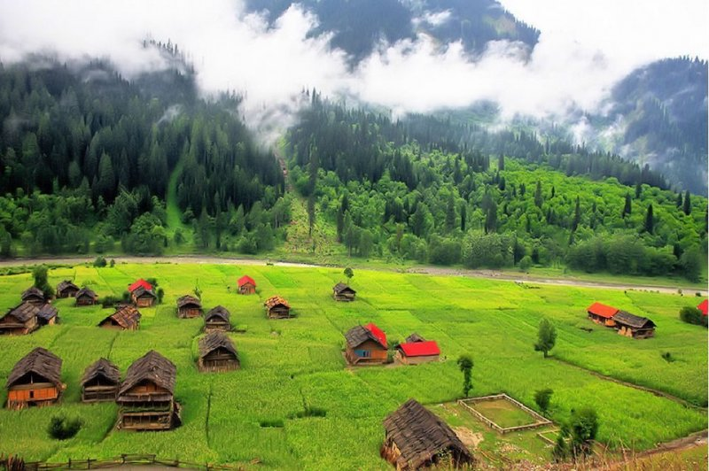 beautiful places in pakistan essay