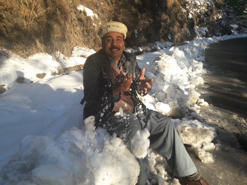 Abid Karim Senior Vice President Havelian Press Club enjoying snow