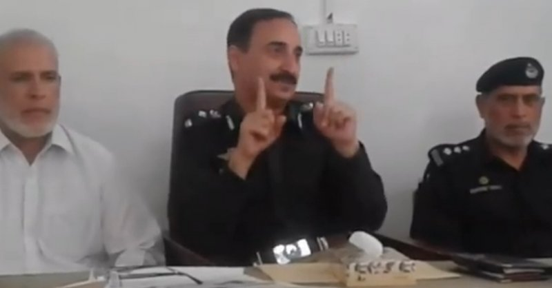 Discussion of D.P.O Abbottabad Sayed Ishfaq Anwar with media in Havelian Police Station