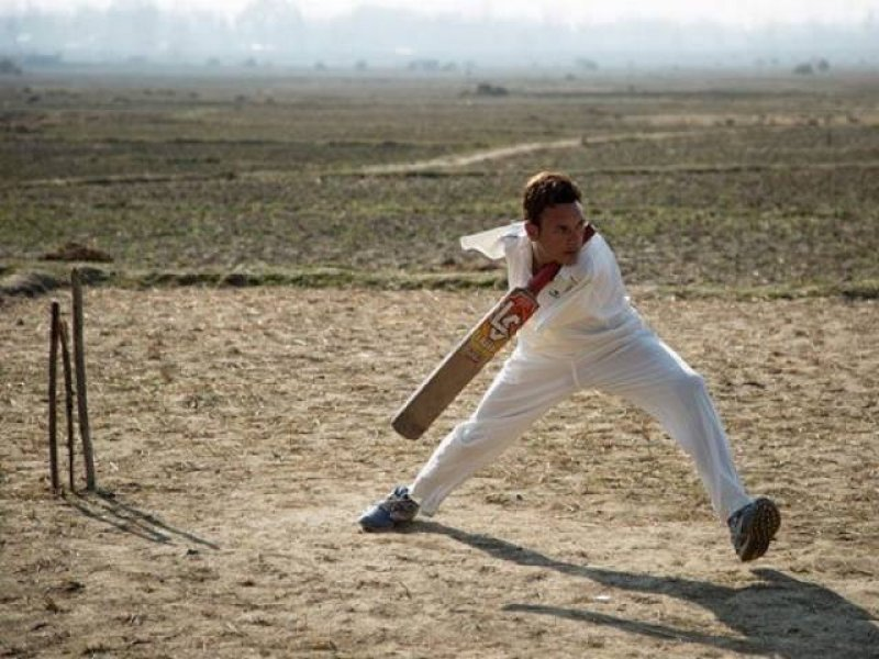 Armsless cricketer bats against odds, Bilal, People