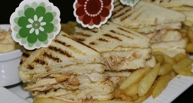 TRIPLE DECKER SANDWICH, ingredients of triple decker sandwitch, method of triple decker sandwitch,  how to make triple decker sandwich. sandwich breads, roast chicken