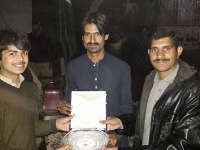 ibrahim, receiving, award, havelian.net, hazara news, kpk news, advertisment