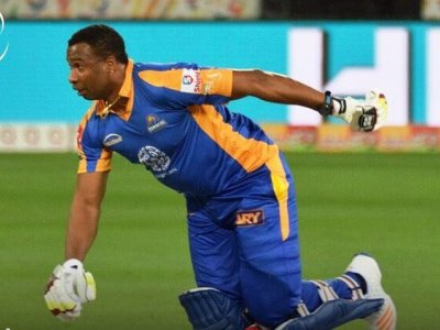 karachi, kings, snatch, victory, lahore, asad mustafa, hazara news, kpk news, advertisment,imad wasim, pollard, babar azam, sangakara, Karachi kings snatch Victory on last ball from Lahore 25 02 2017,karachi kings,play off,