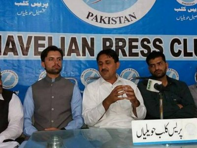 jamshed, dasti, addressing, journaists, havelian, press, asad mustafa, hazara news, kpk news, advertisment